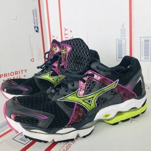 Mizuno Womens Wave Purple Running Sneakers sz 10.5